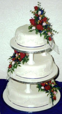 3 Tier piped lace and fushia